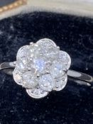 Very pretty diamond cluster 9 carat gold ring approximately 1.1 carats of diamonds
