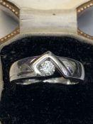 18 carat white gold single stone diamond ring G colour VS to diamond approximately 6.3g