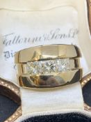 18 carat gold ring set with 1.5 carats diamond weighs 13.5 g approximately