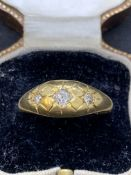 Vintage 18 carat gold ring set with three diamonds approximately 4.4 g