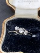 18 carat gold three stone diamond ring