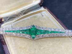 Stunning Antique 35.00ct Emerald & 8.00ct Diamond Platinum Brooch - 18 Grams