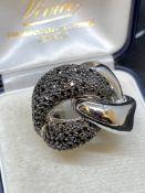 18ct WHITE GOLD 3.00ct BLACK DIAMOND SET RING - 22 GRAMS