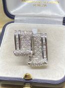 Very Unusual 18ct White Gold Ring Set with 2 Diamond Encrusted Scrolls, 3.00cts of Diamonds which