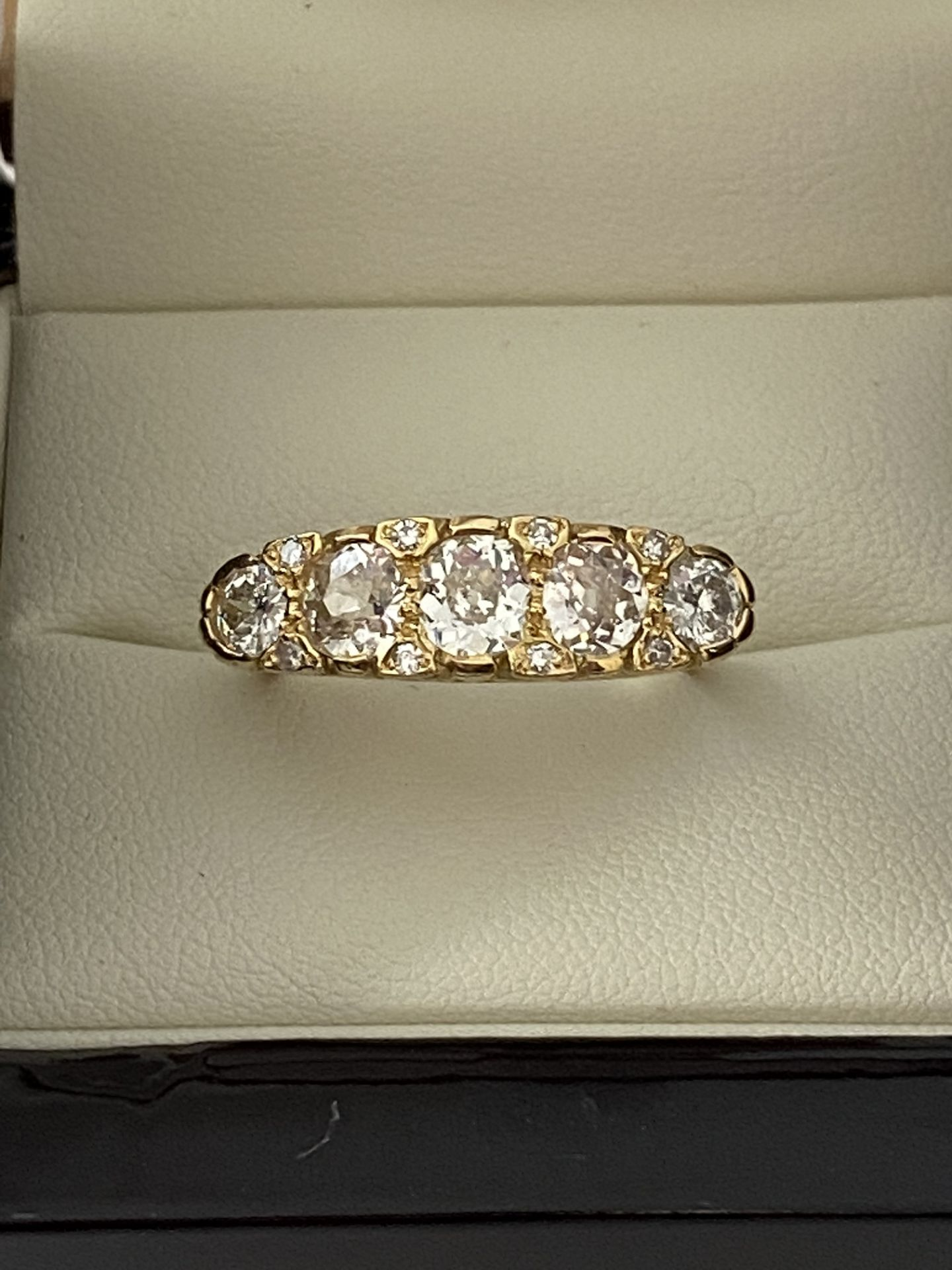 FINE 18ct YELLOW GOLD 2.00ct 5 STONE DIAMOND RING - Image 8 of 15