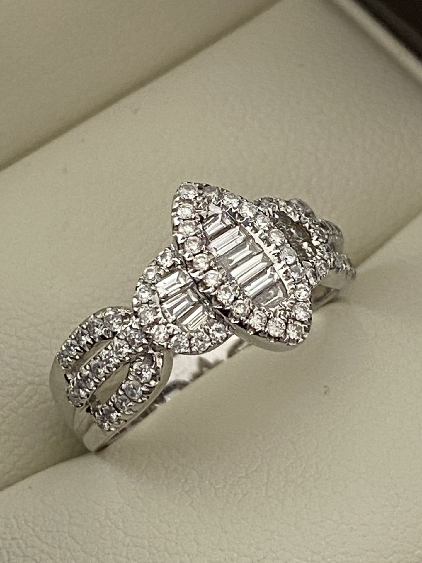 0.69ct DIAMOND MARQUISE SHAPED RING SET IN WHITE GOLD - Image 6 of 6