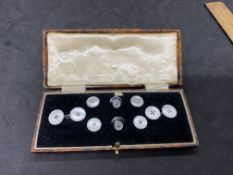 VINTAGE BOXED CUFFLINK SET INC BOX