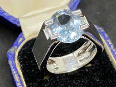 18ct WHITE GOLD 6ct AQUA MARINE & DIAMOND RING MARKED CARTIER
