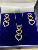 FINE 18ct 3 COLOUR GOLD DIAMOND HEART DROP EARRINGS WITH MATCHING 18ct 3 COLOUR GOLD PENDANT & CHAIN