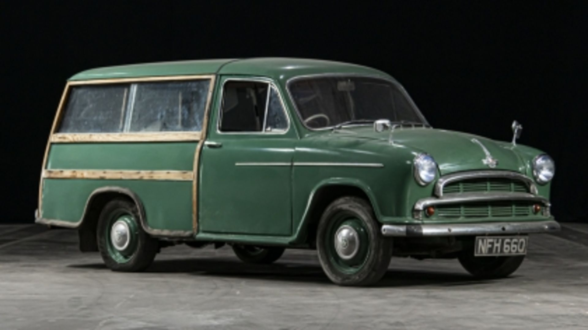 Lot 562 - 1955 Morris Oxford Series II Traveller