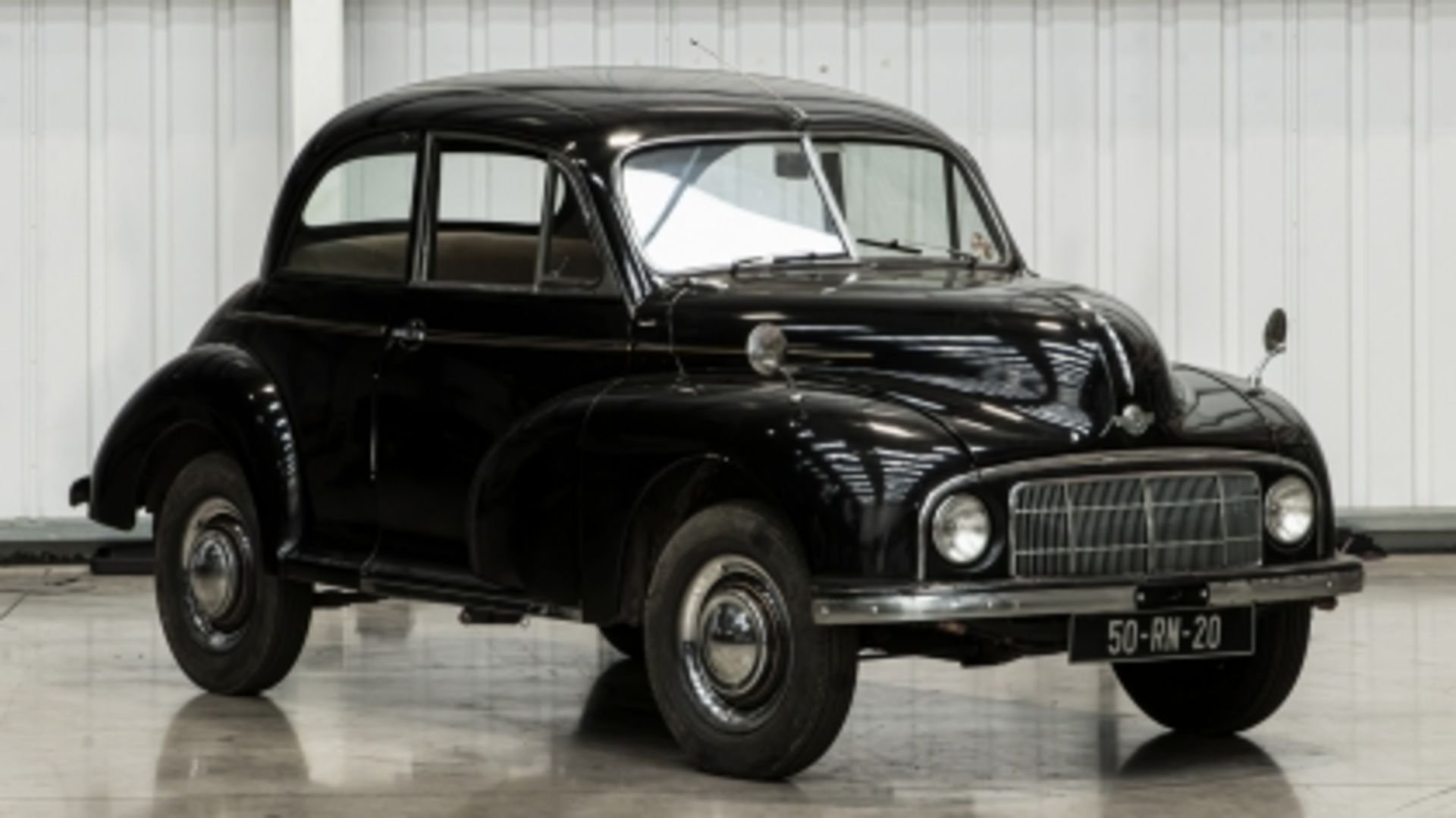 Lot 555 - 1950 Series MM Lowlight Saloon