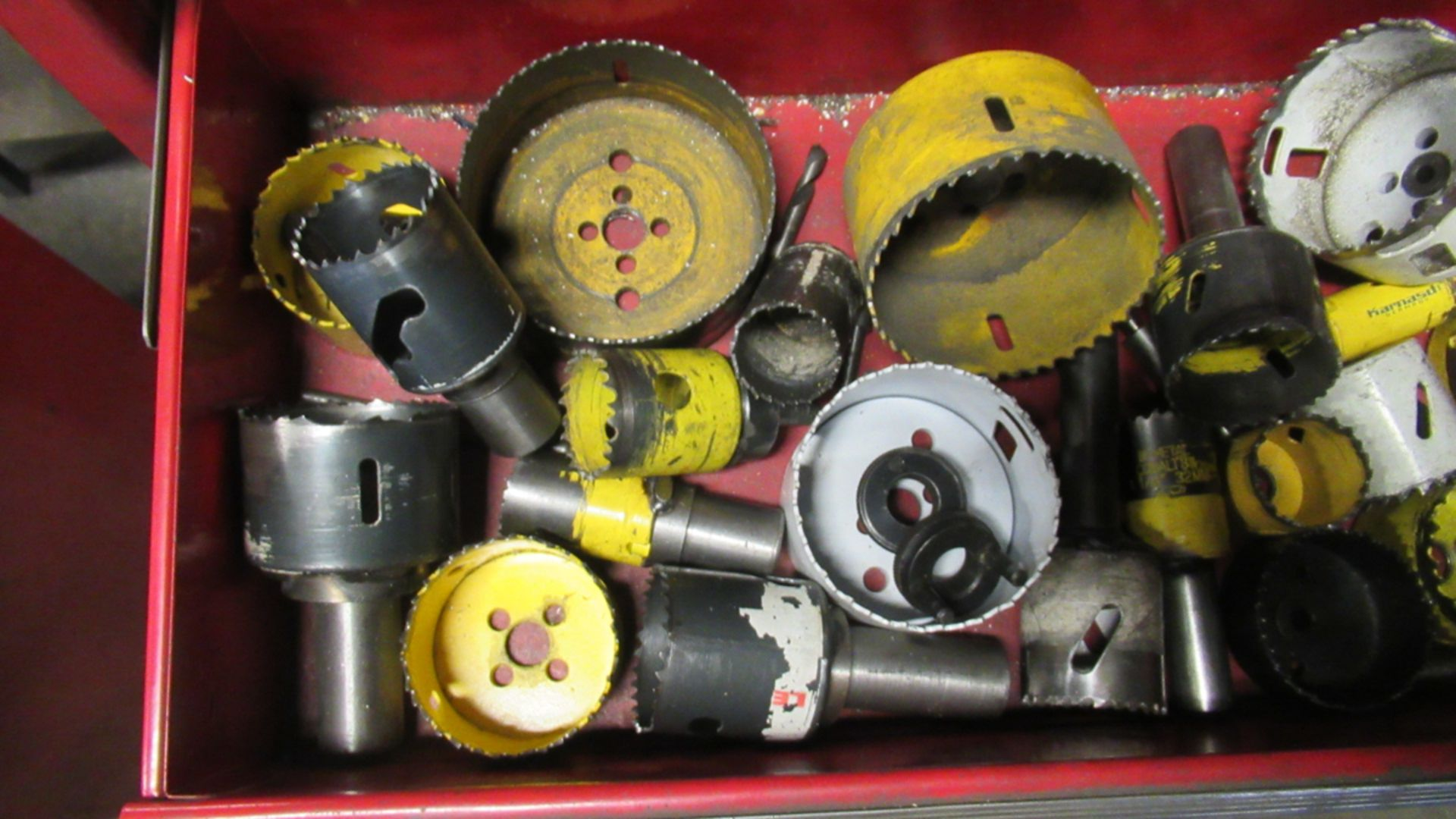 Lot 21A - LOT OF 30 ASSORTED HOLE SAWS