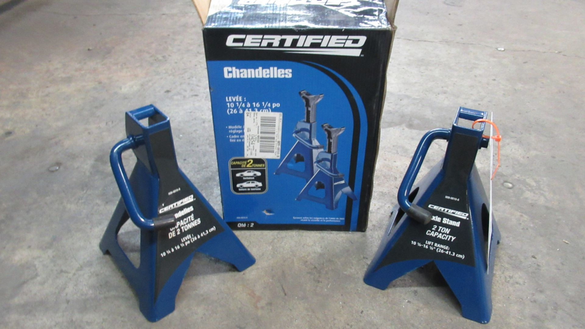Lot 50 - 2 TONS AXLES STANDS SET (NEW IN BOX)