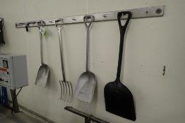 Lot of assorted SS shovels