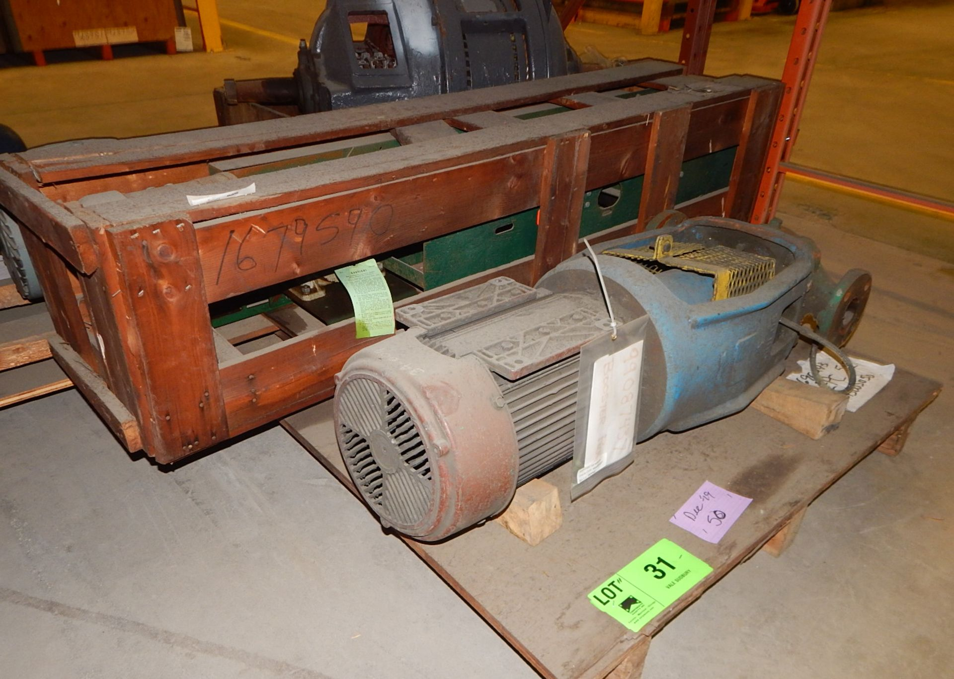 Lot 31 - LOT/ GOULDS BOOSTER PUMP AND DRIVE UNIT (CMD)