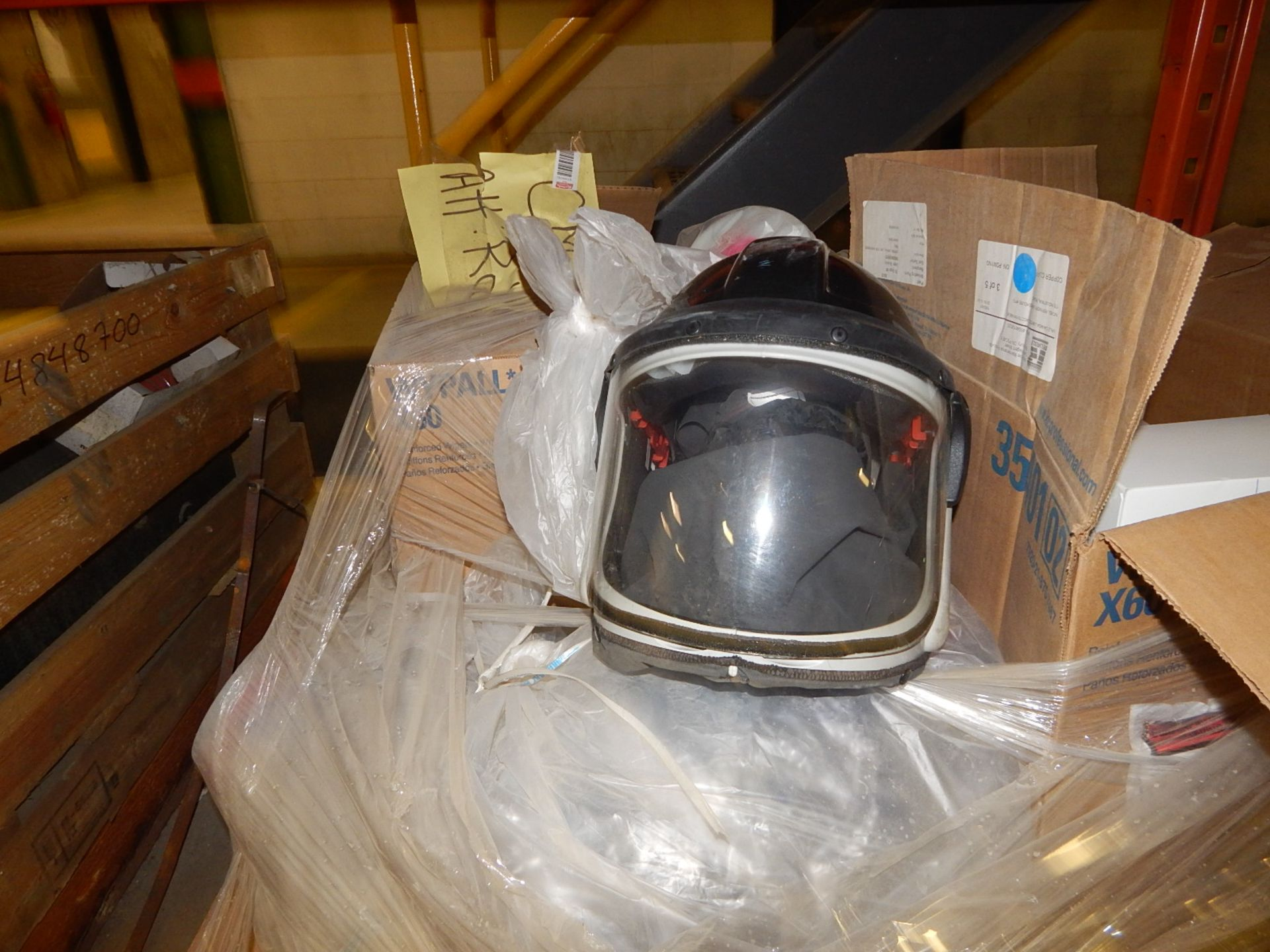 Lot 19 - LOT/ SAFETY SUPPLIES (FULL FACE MASK AND FILTERS) (CMD)