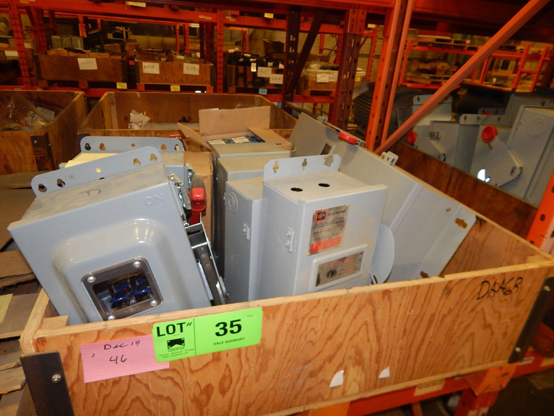 Lot 35 - LOT/ DISCONNECT BOXES (CMD)