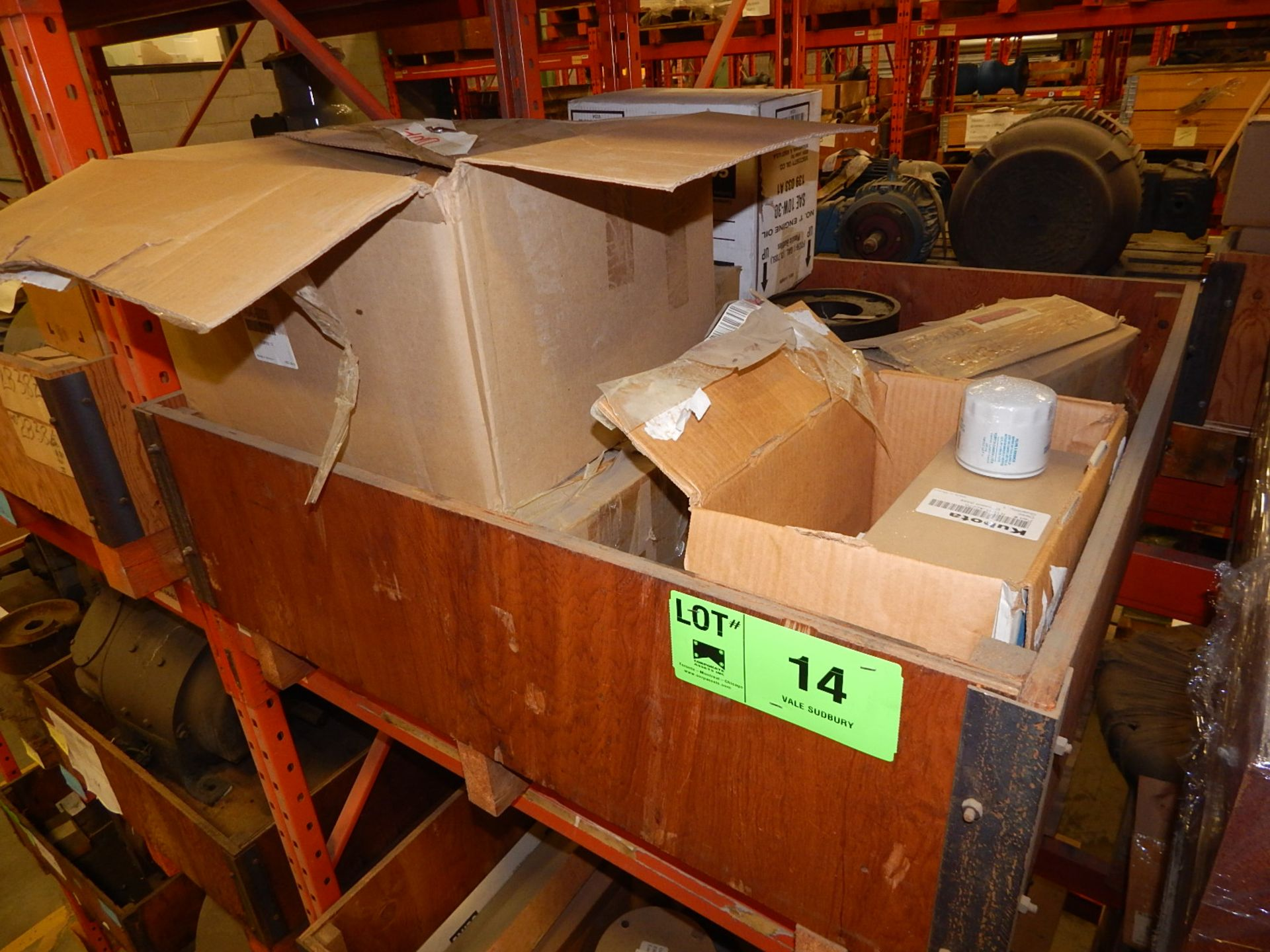Lot 14 - LOT/ KUBOTA PARTS (PLASTIC HOUSING FILTER; EQUIP/TAG MODEL NO: R420 AND R520) (CMD)