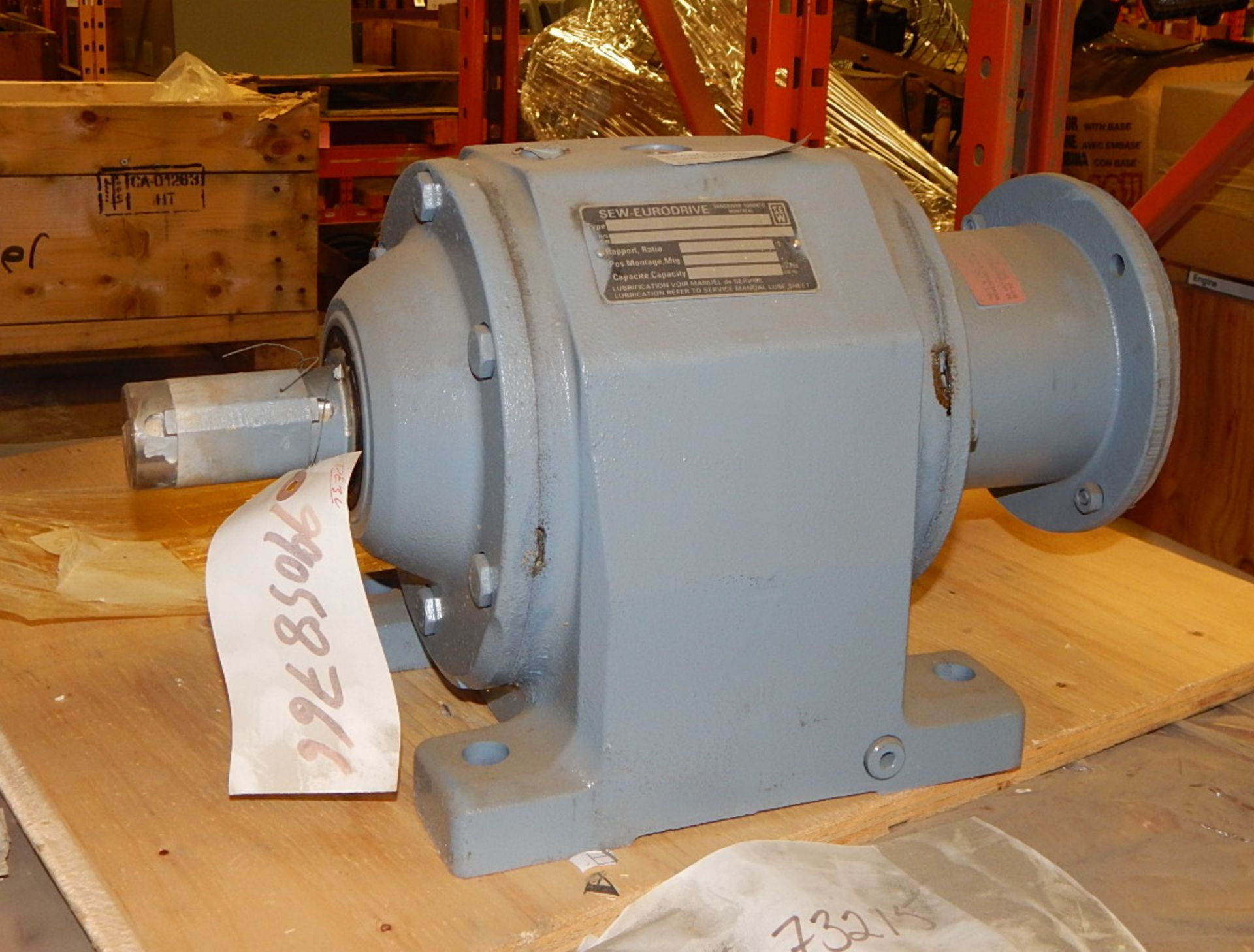 Lot 13 - LOT/ MORTAR MIX AND GEARBOX (CMD)