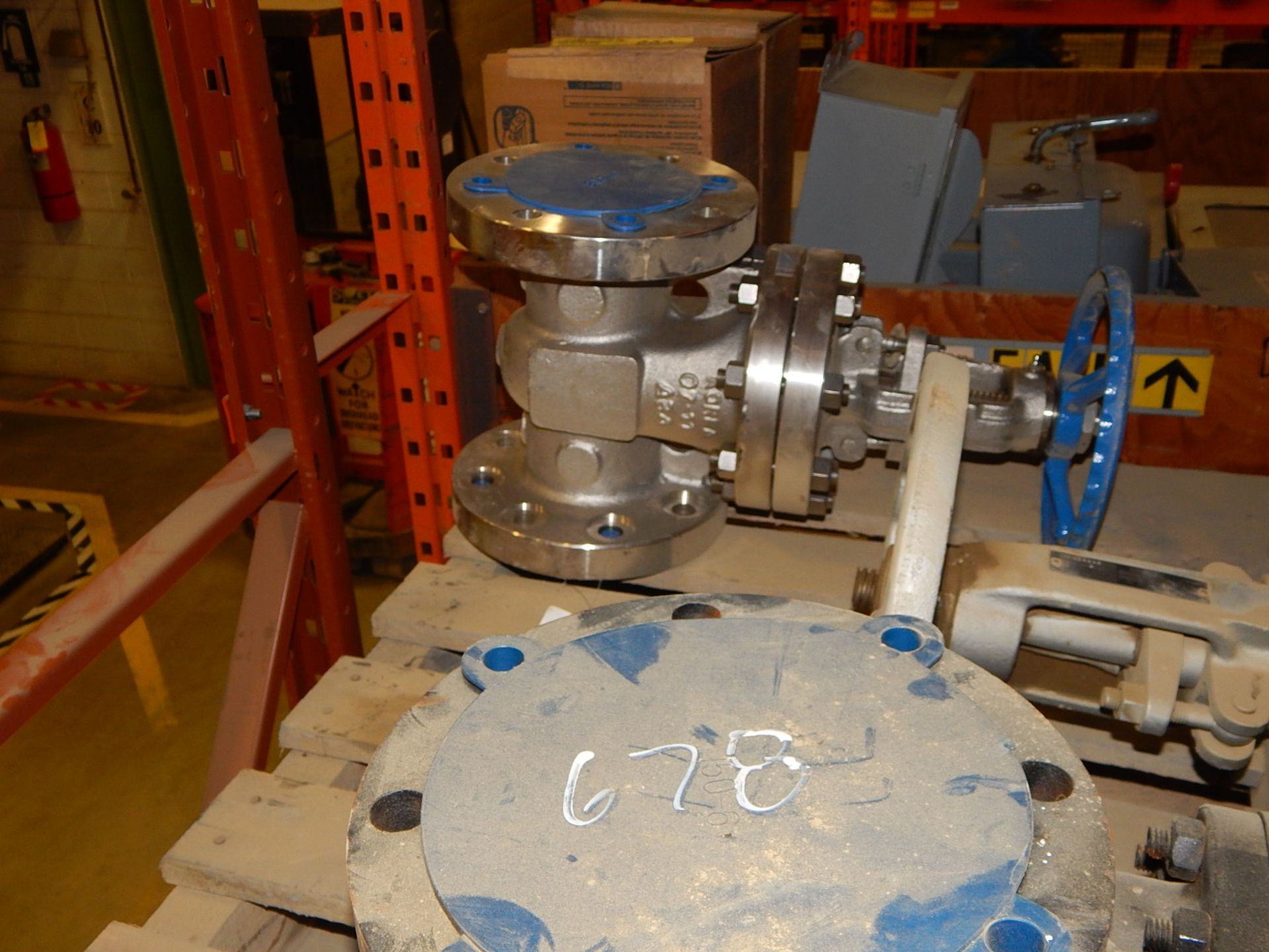 "Lot 54 - LOT/ 4"" AND 6"" VALVES (CMD)"