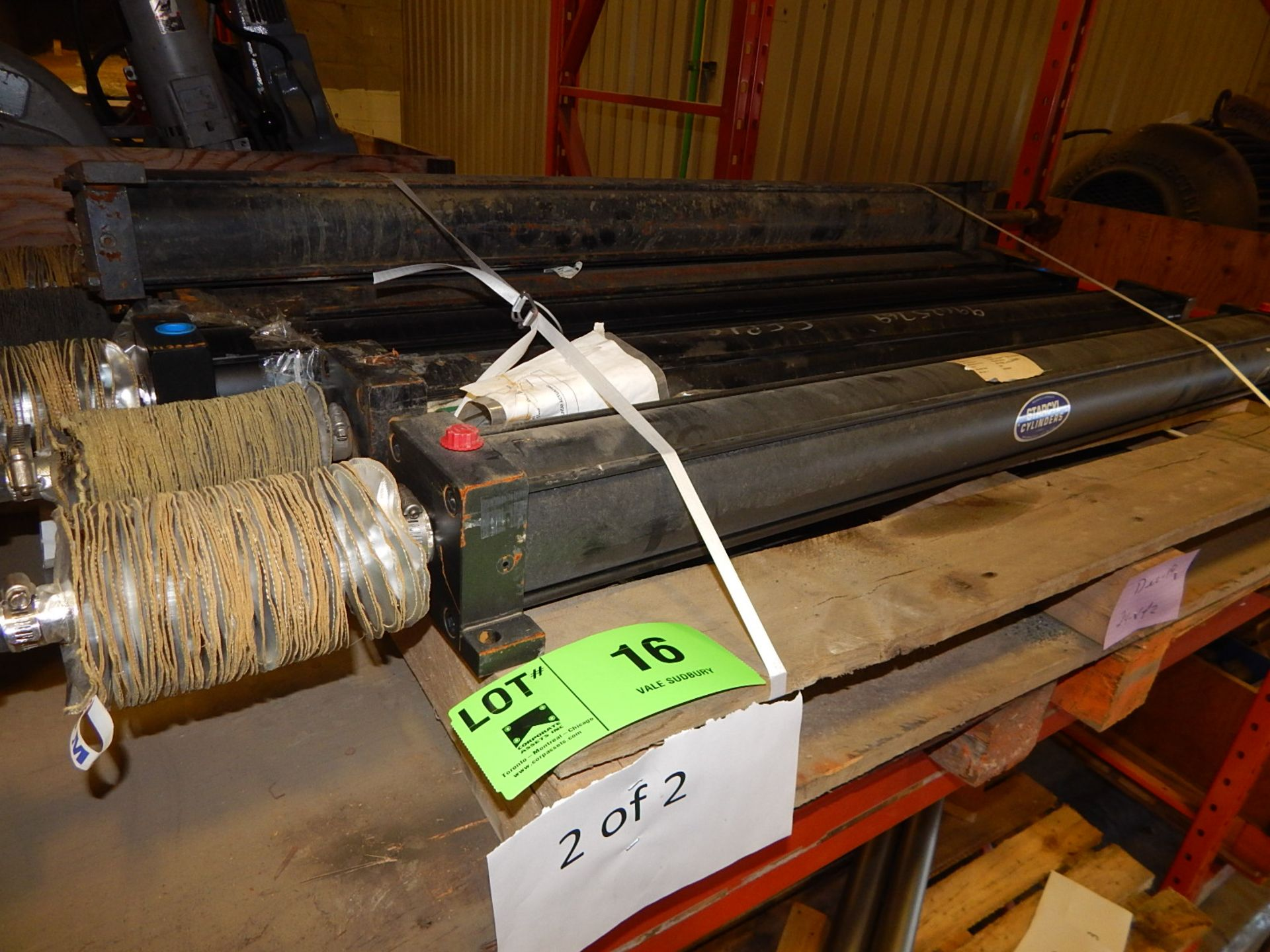 Lot 16 - LOT/ LINEAR ACTUATOR CYLINDERS (CMD)