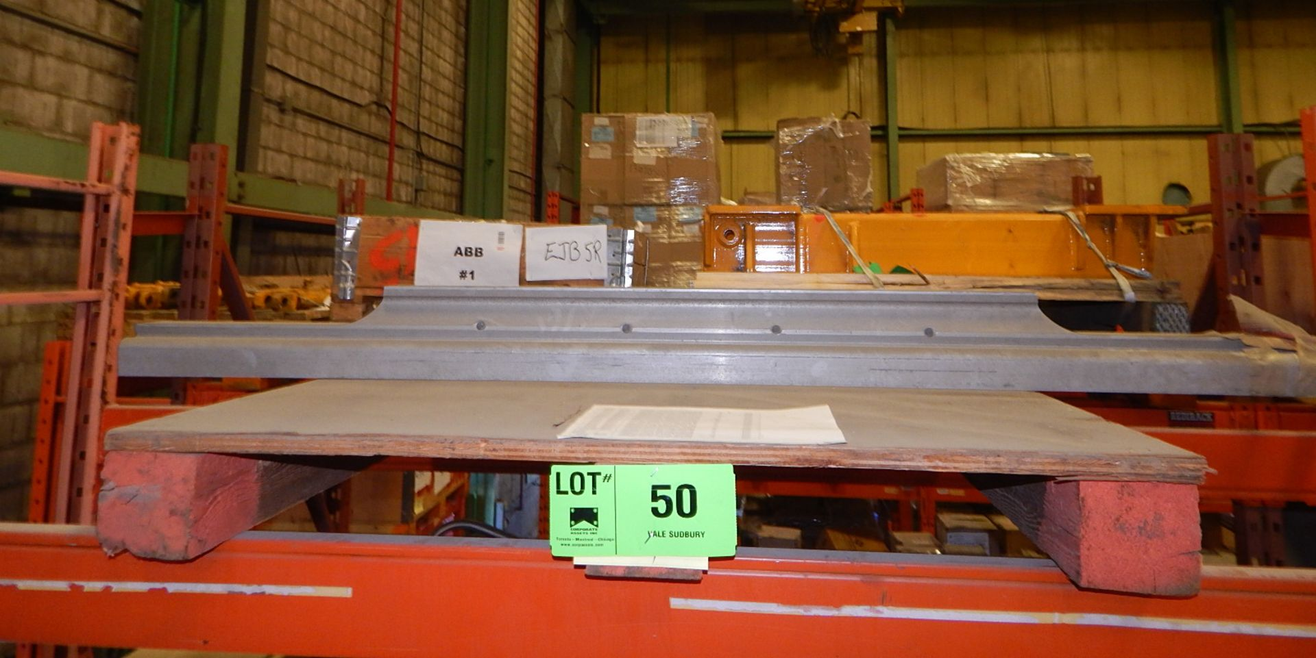 Lot 50 - LOT/ FEED BRACKET AND WEAR PLATES (CMD)