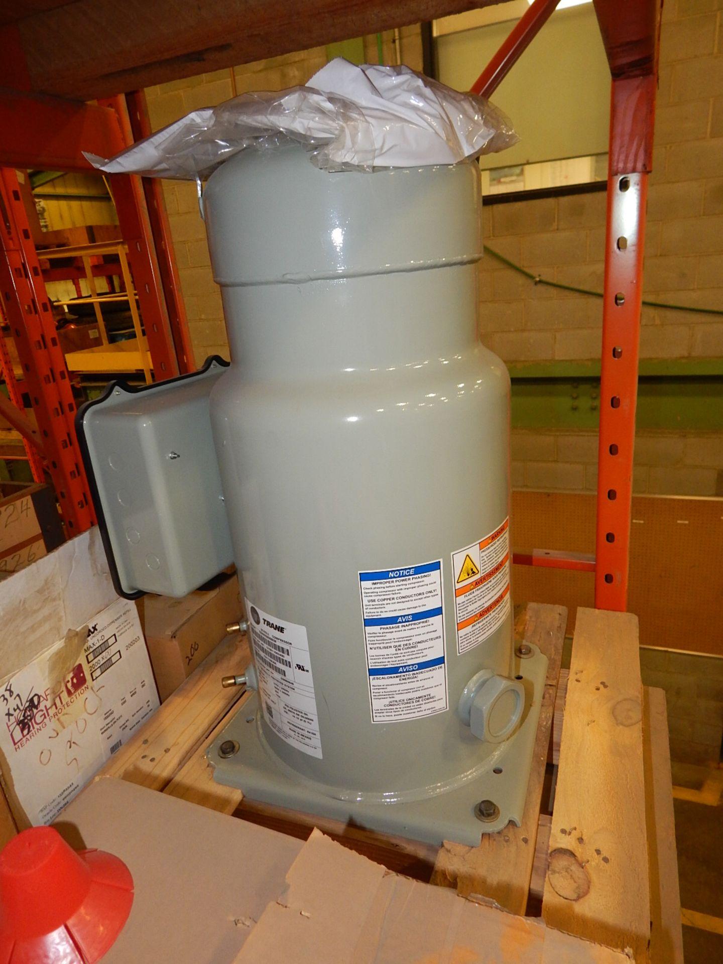 Lot 8 - LOT/ COMPRESSOR AND PLASTIC PLUGS (CMD)