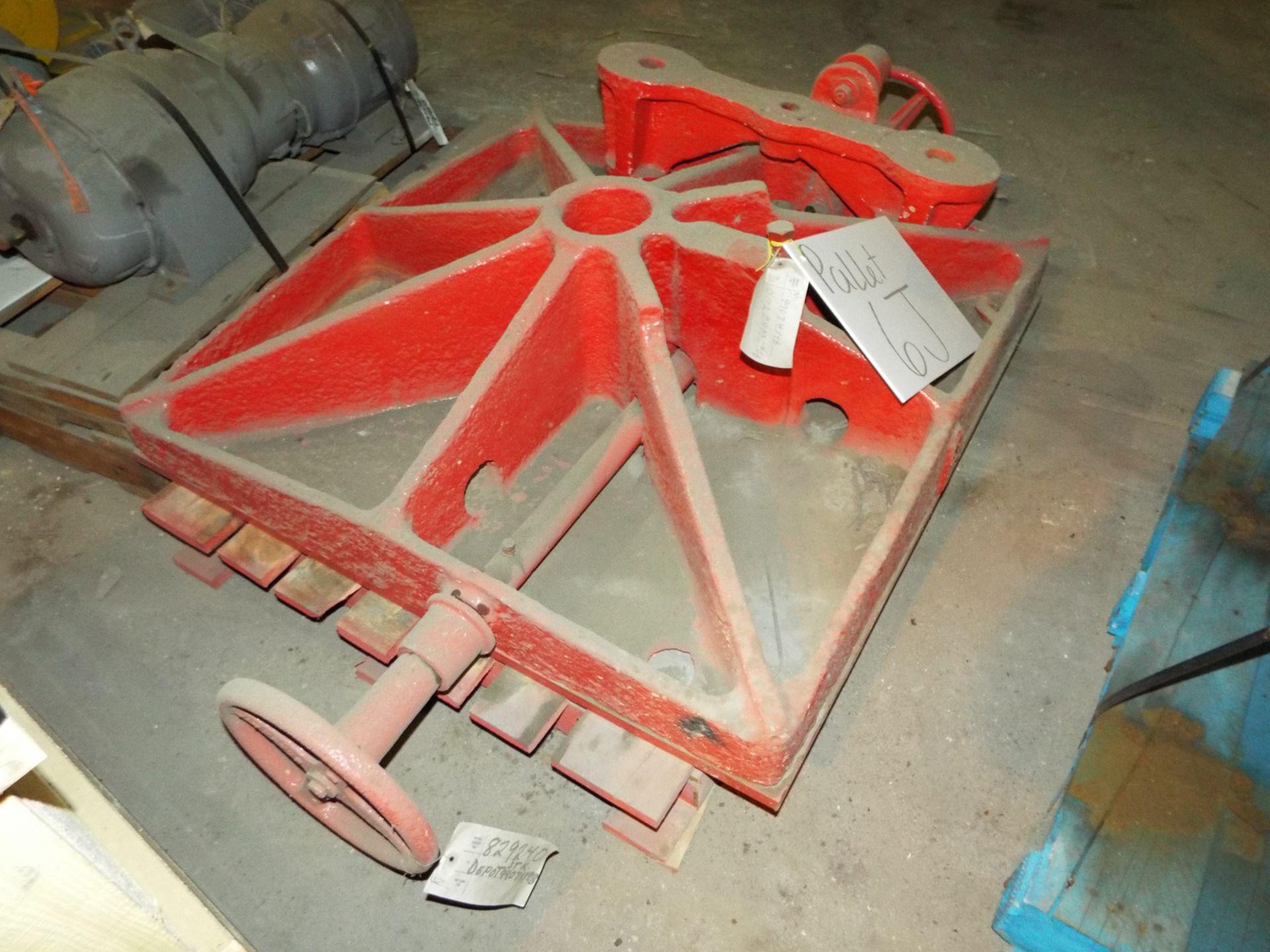 Lot 33 - LOT/ CONTENTS OF SKID - SHRIVER PRESS FOLLOWER PLATE (PLT 6J)