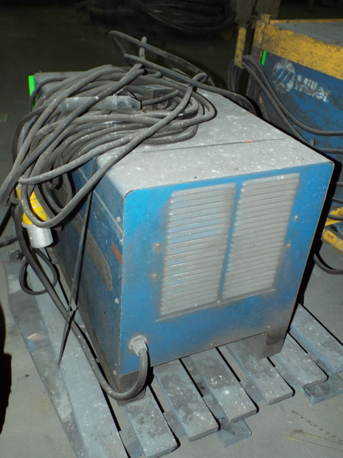 Lot 8 - MILLER GOLD STAR 400SS WELDING POWER SOURCE WITH CABLES, S/N: KB066655