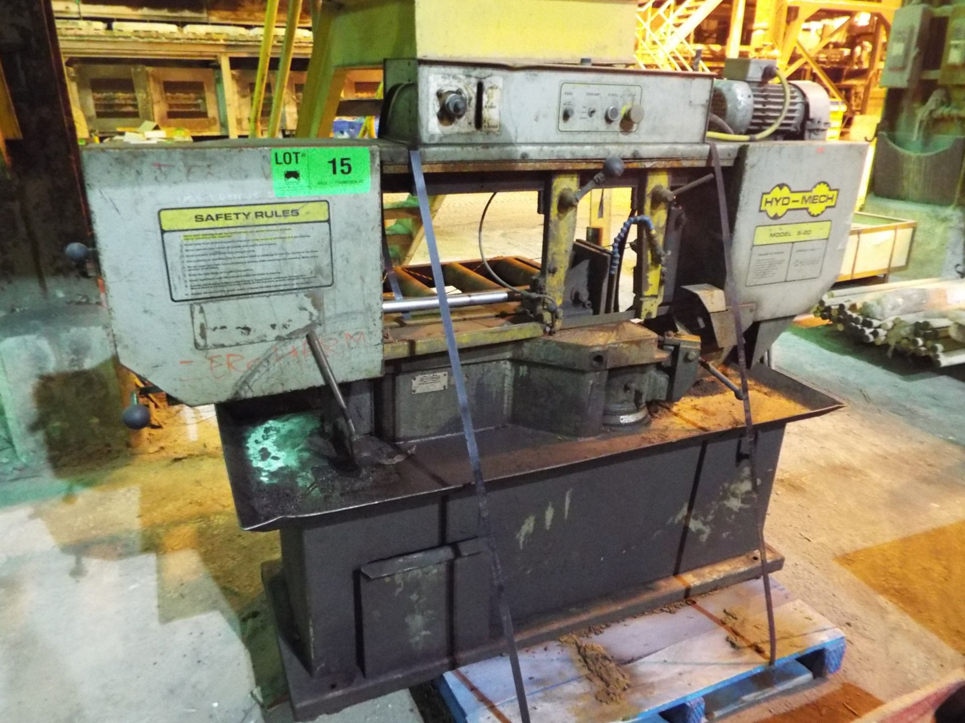"""Lot 15 - HYD-MECH S-20 AUTOMATIC HORIZONTAL BAND SAW WITH 13""""X18"""" CAPACITY, 370 RPM, 2 HP, VARIABLE FEED"""