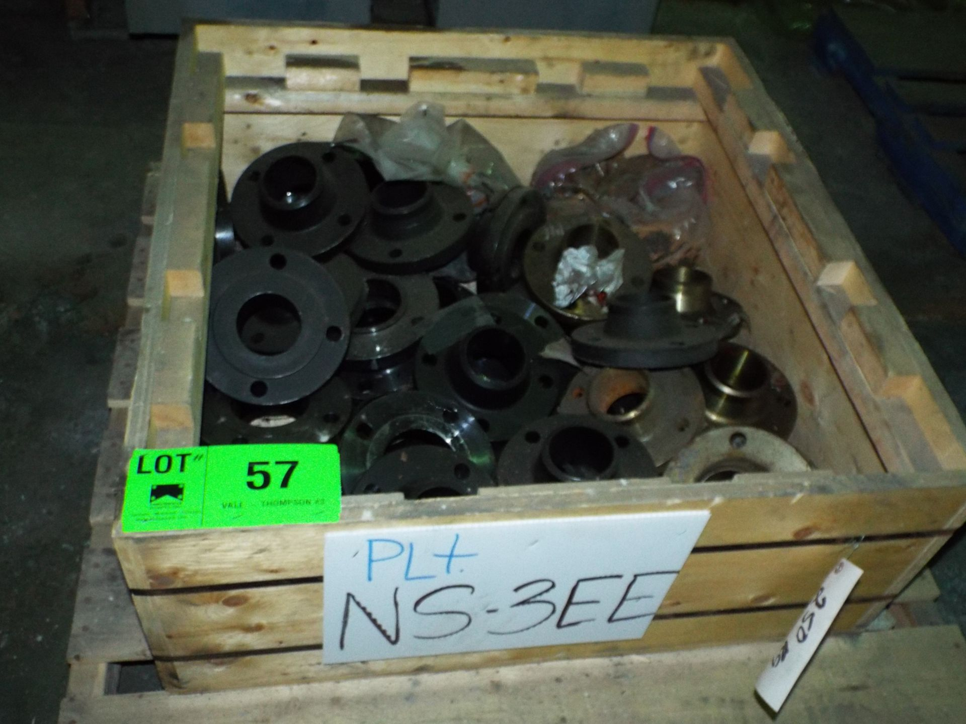 Lot 57 - LOT/ CONTENTS OF CRATE - CARBON STEEL PIPE FITTINGS ASSORTED SIZES (NS-3EE)