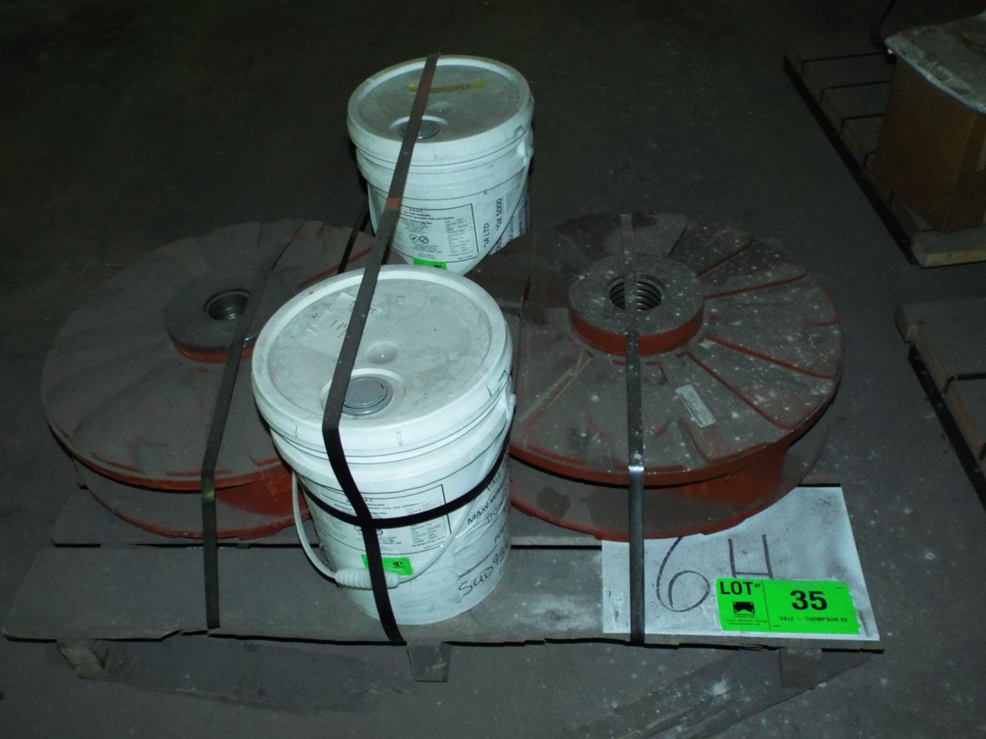 Lot 35 - LOT/ CONTENTS OF SKID - (2) 4 VANE IMPELLER PUMPS, (2) 20L PAILS HHAT AIR TOOL LUBRICANT (PLT 6H)
