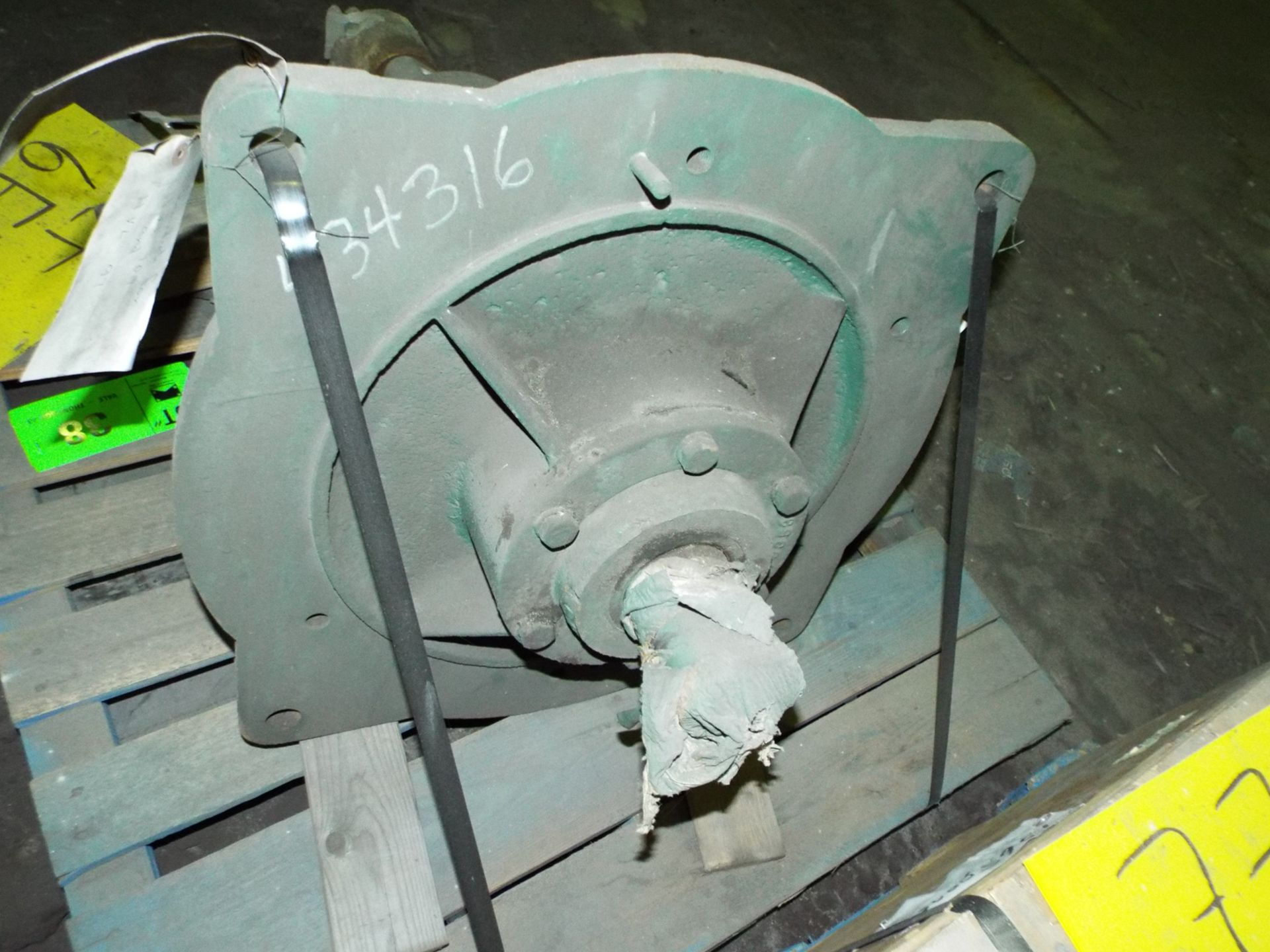 LOT/ CONTENTS OF SKID - HAMILTON GEAR WORM TYPE GEARBOX COMPONENT (PLT 6FF) - Image 2 of 2