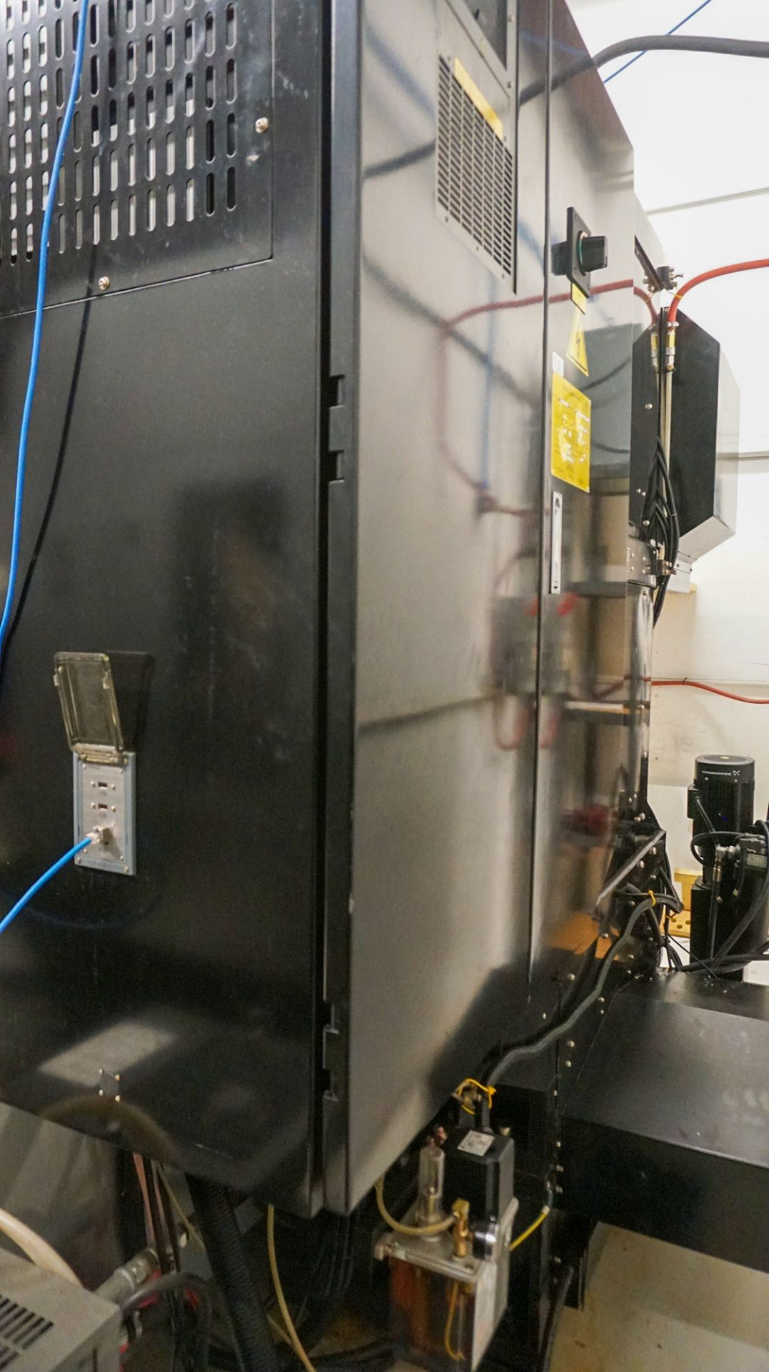 HURCO (2012) VMX42UI 5 AXIS CNC VERTICAL MACHINING CENTER WITH HURCO DUAL SCREEN CNC CONTROL, 13. - Image 17 of 20
