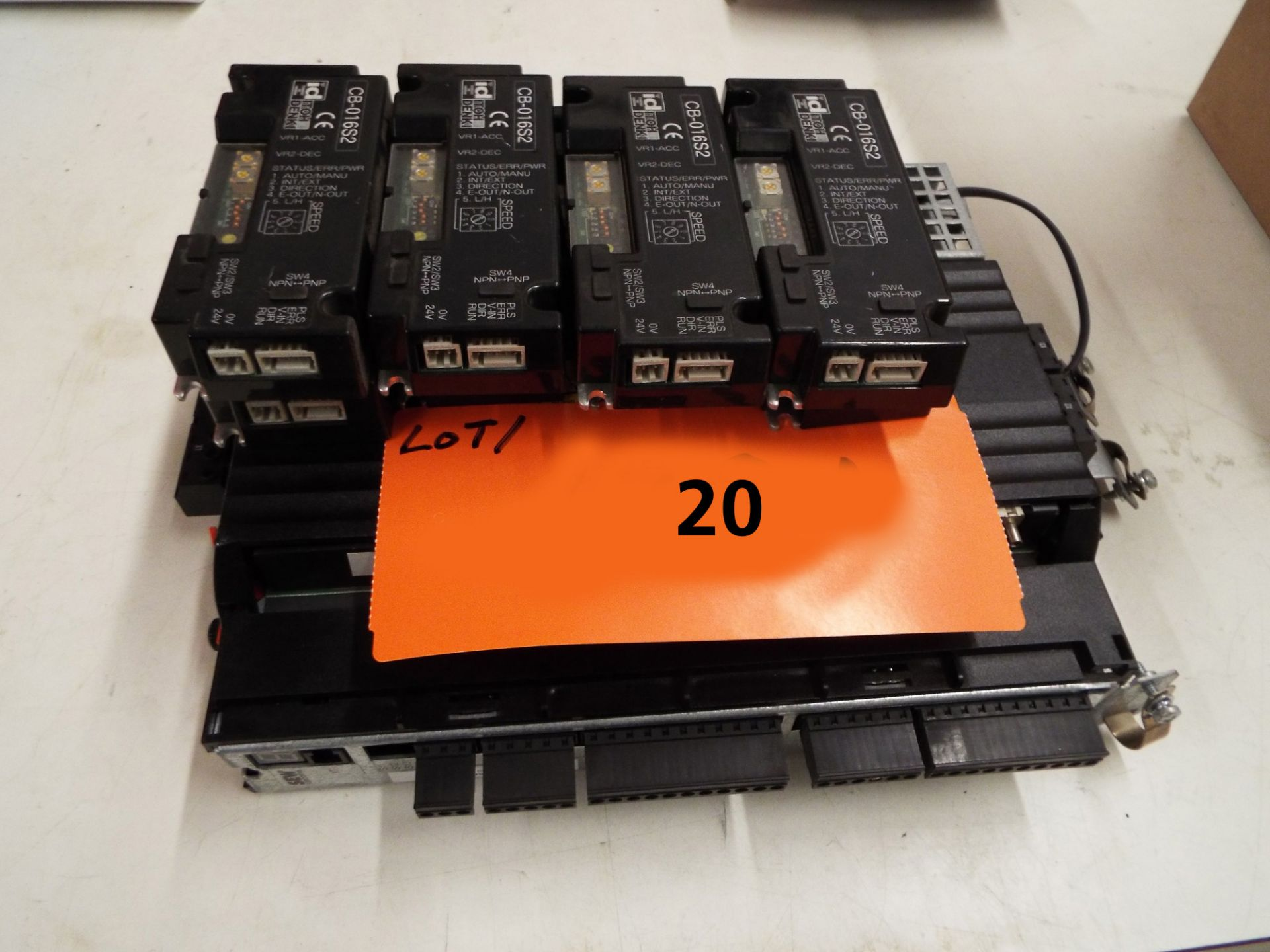 Lot 20 - LOT/ SEW EURODRIVE SERVO DRIVE WITH (8) ITOH DENKI CB-016S2 CIRCUIT BOARDS