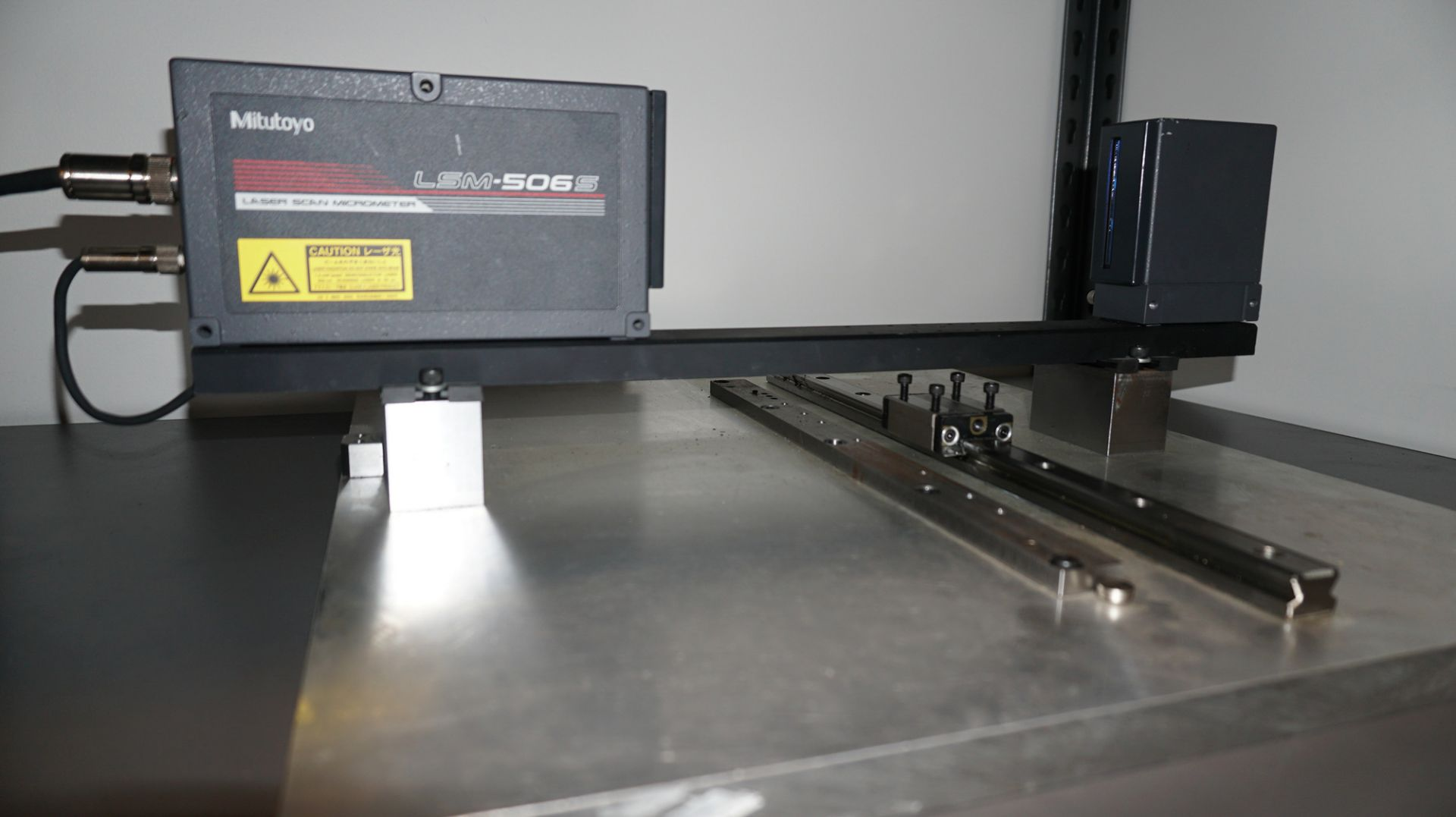 Lot 13 - MITUTOYO (2016) LSM-6200 & LSM-506S LASER SCAN MICROMETER SYSTEM WITH 1 - 60MM MEASUREMENT (NEVER