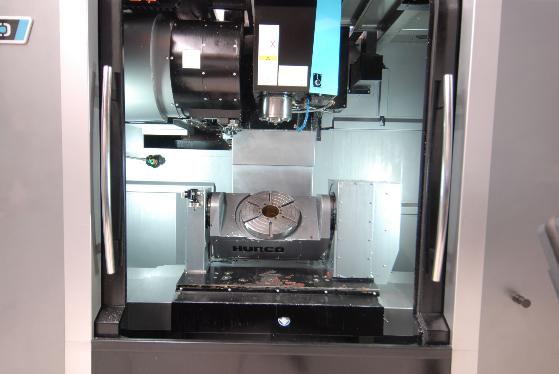 HURCO (2012) VMX42UI 5 AXIS CNC VERTICAL MACHINING CENTER WITH HURCO DUAL SCREEN CNC CONTROL, 13. - Image 2 of 20