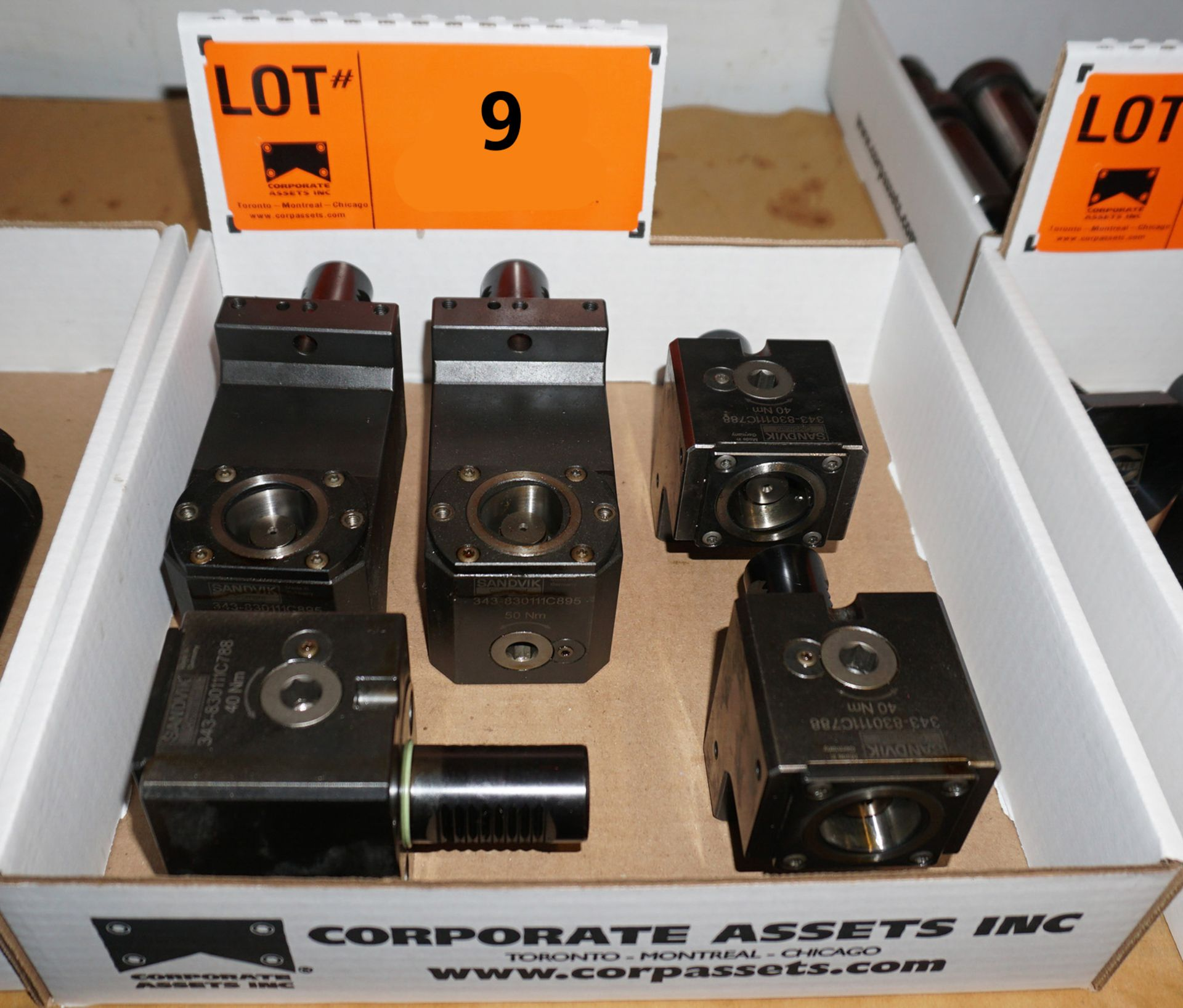 Lot 9 - LOT/ (2) SANDVIK 343-830111C895 90 DEGREE STATIC TOOL HOLDERS & (3) SANDVIK 343-830111C788 STATIC