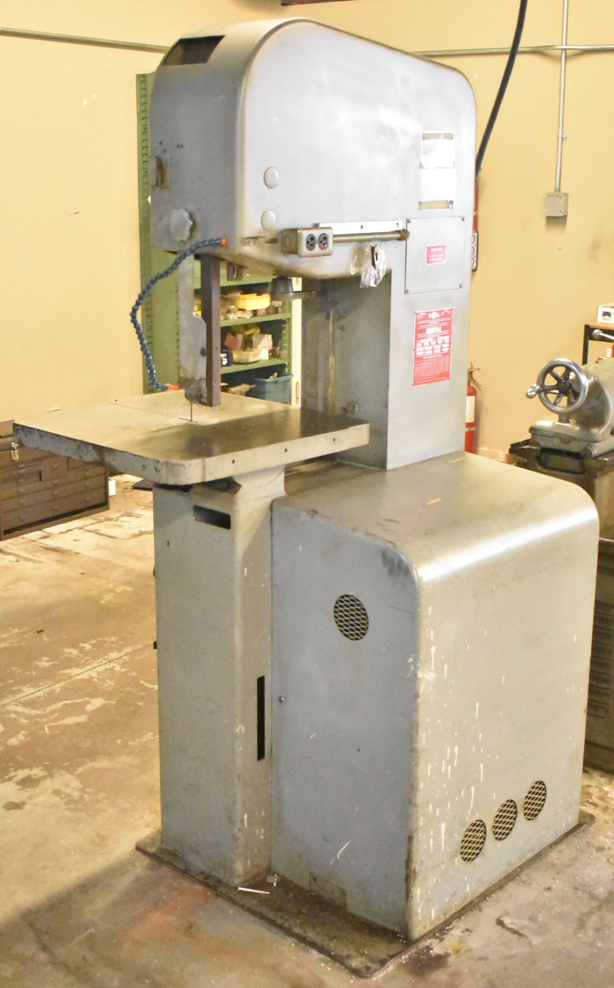 """Lot 3 - DOALL 1612-0 VERTICAL BAND SAW WITH 16"""" THROAT, 12"""" MAX WORK PIECE HEIGHT, BLADE WELDER AND GRINDER,"""