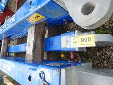 Lot 990 Image