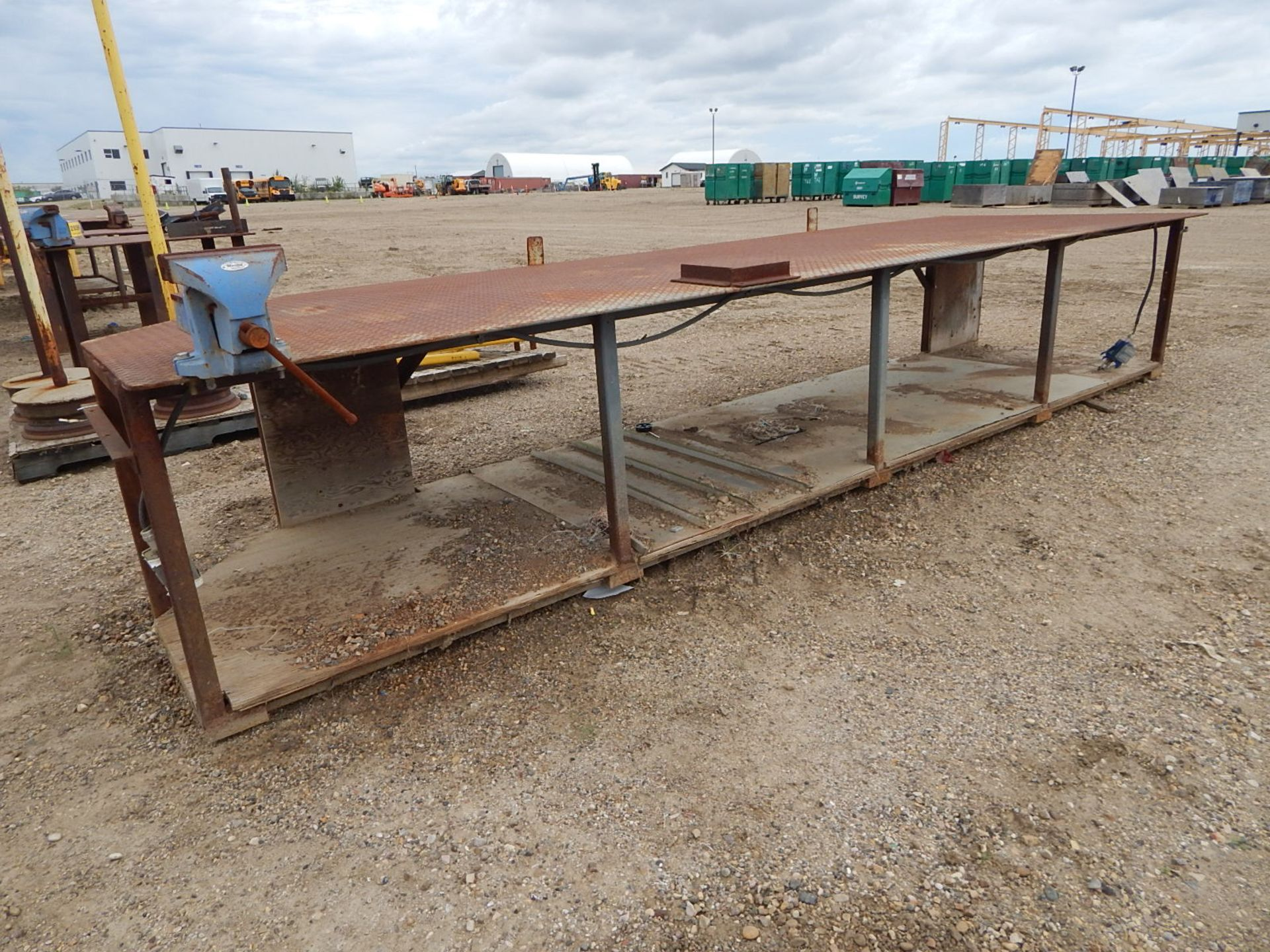 LOT/ LARGE STEEL WORK TABLE WITH VISE AND STANDS