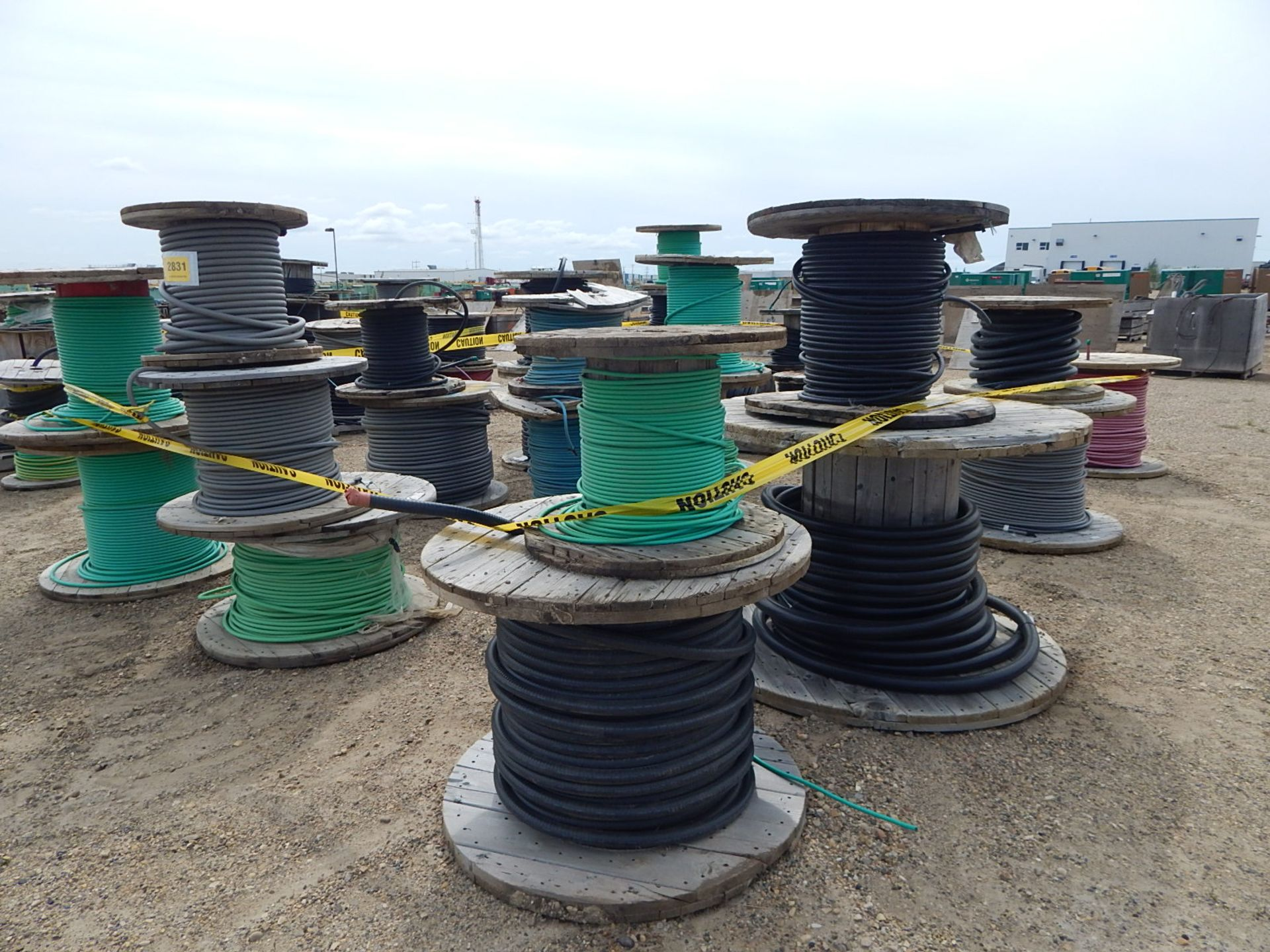 LOT/ REELS OF ASSORTED ELECTRICAL CABLE - Image 3 of 5