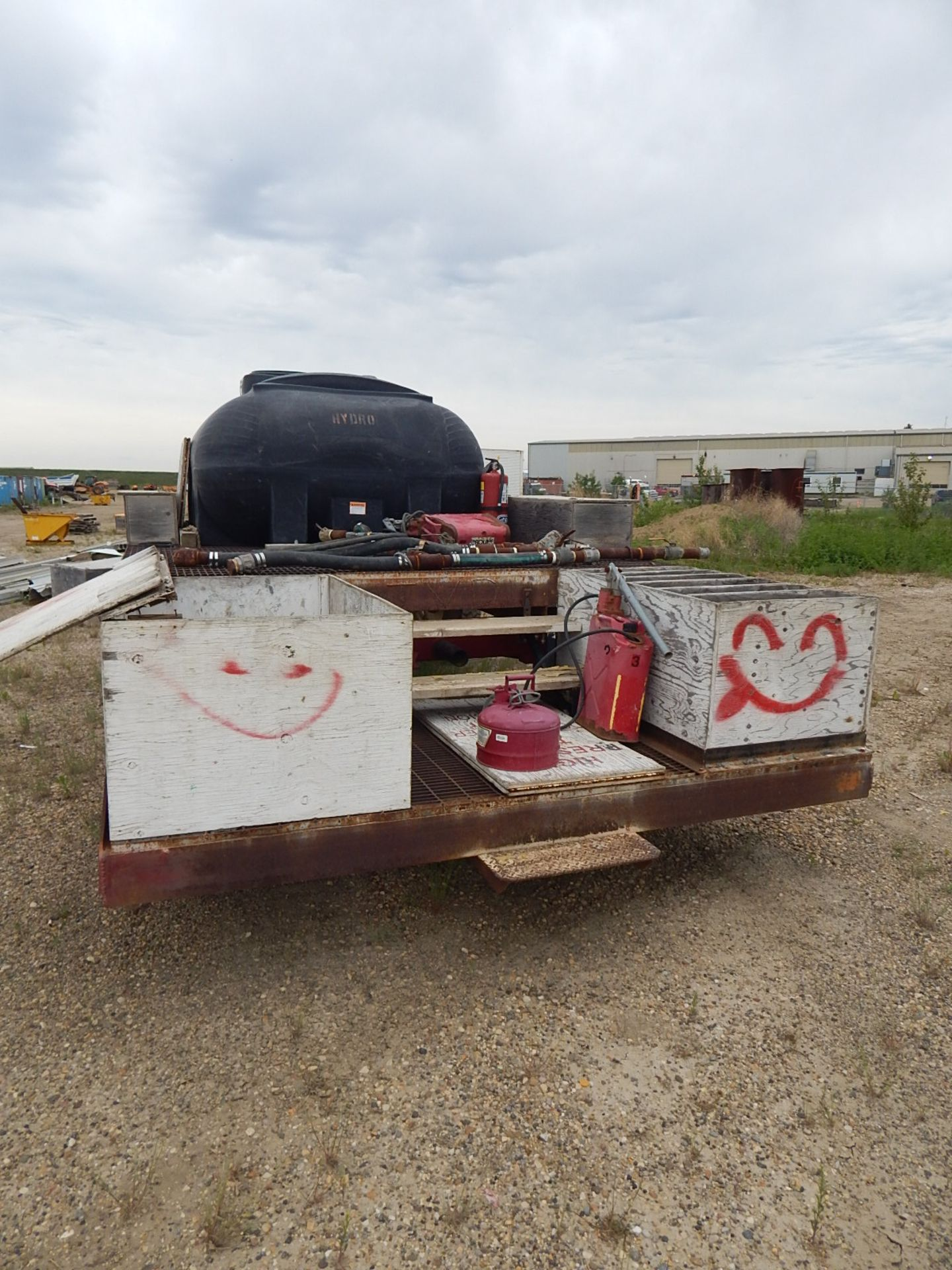 LOT/ YARD TRAILER WITH GLYCOL STORAGE TANK - Image 3 of 5