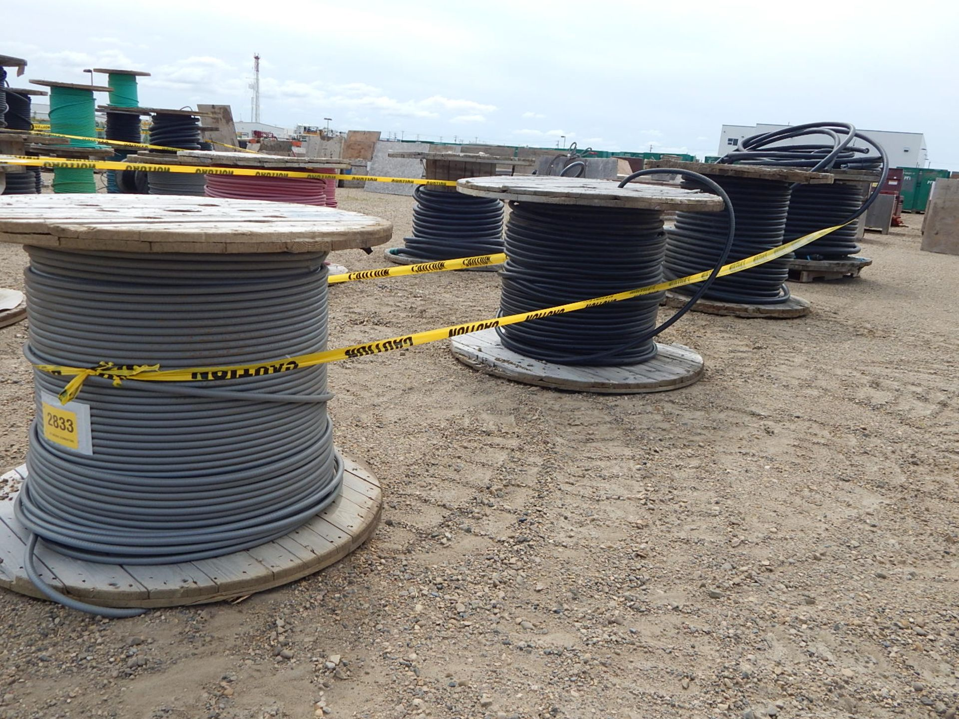 LOT/ REELS OF ASSORTED ELECTRICAL CABLE - Image 3 of 4
