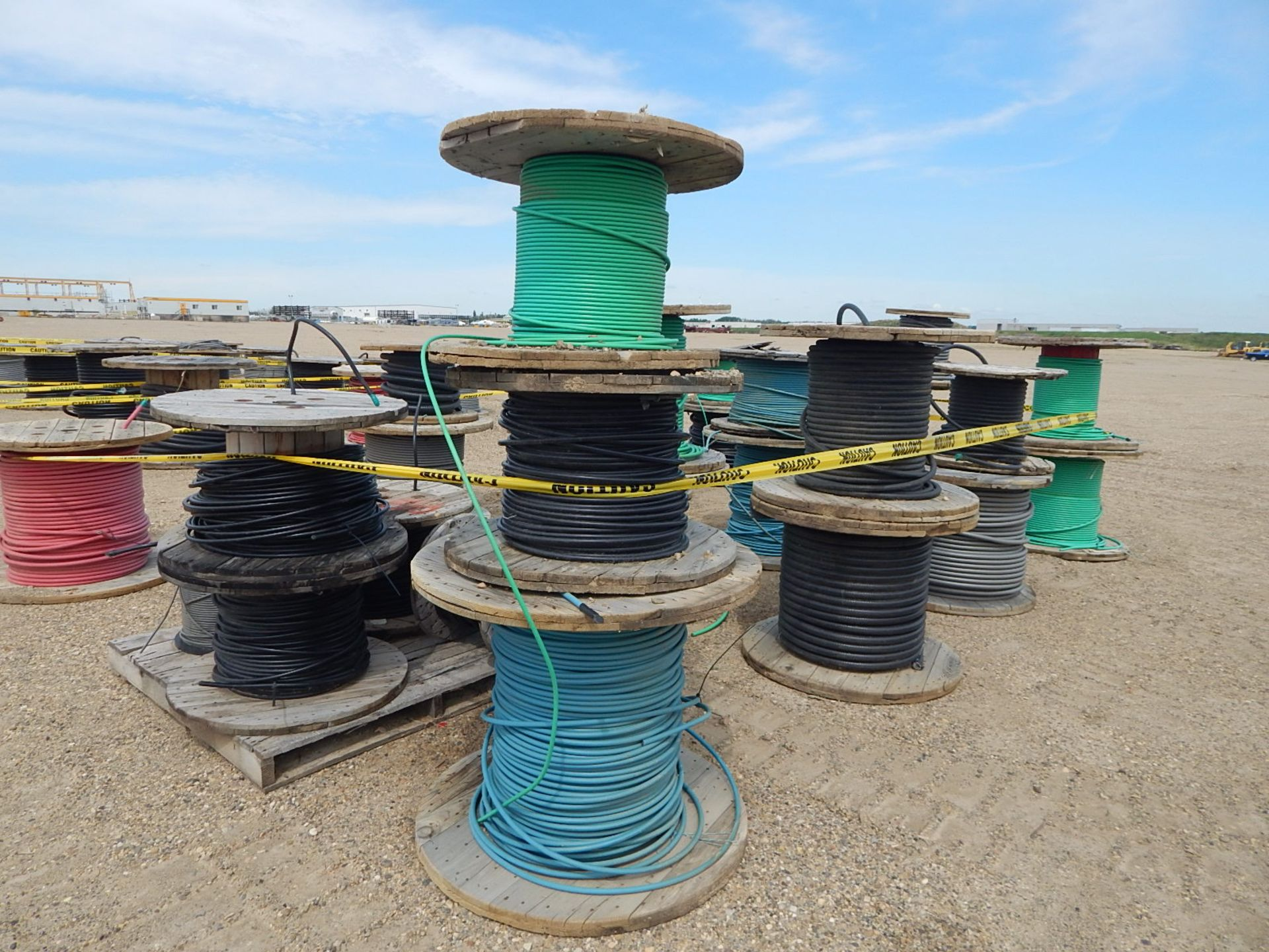 LOT/ REELS OF ASSORTED ELECTRICAL CABLE - Image 5 of 5