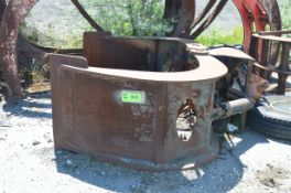 W.B.M SPARE HYDRAULIC LOG GRAPPLE [RIGGING FEES FOR LOT #853 - $150 USD PLUS APPLICABLE TAXES]