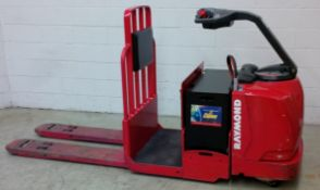 RAYMOND (2008) 8500 24V ELECTRIC RIDE-ON PALLET JACK WITH 6000 LB. CAPACITY, HAWKER POWER GUARD