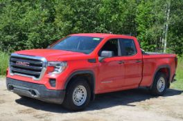 GMC (2019) SIERRA 1500 EXTENDED CAB FOUR DOOR PICKUP TRUCK WITH 4.3LITER V6 GAS ENGINE, AUTO