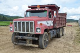 INTERNATIONAL (1979) F-2574 TANDEM AXLE DUMP TRUCK WITH DIESEL ENGINE, EATON FULLER MANUAL