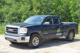 GMC (2015) SIERRA 1500 SLE EXTENDED CAB FOUR DOOR PICKUP TRUCK WITH 5.3LITER V8 GAS ENGINE, AUTO